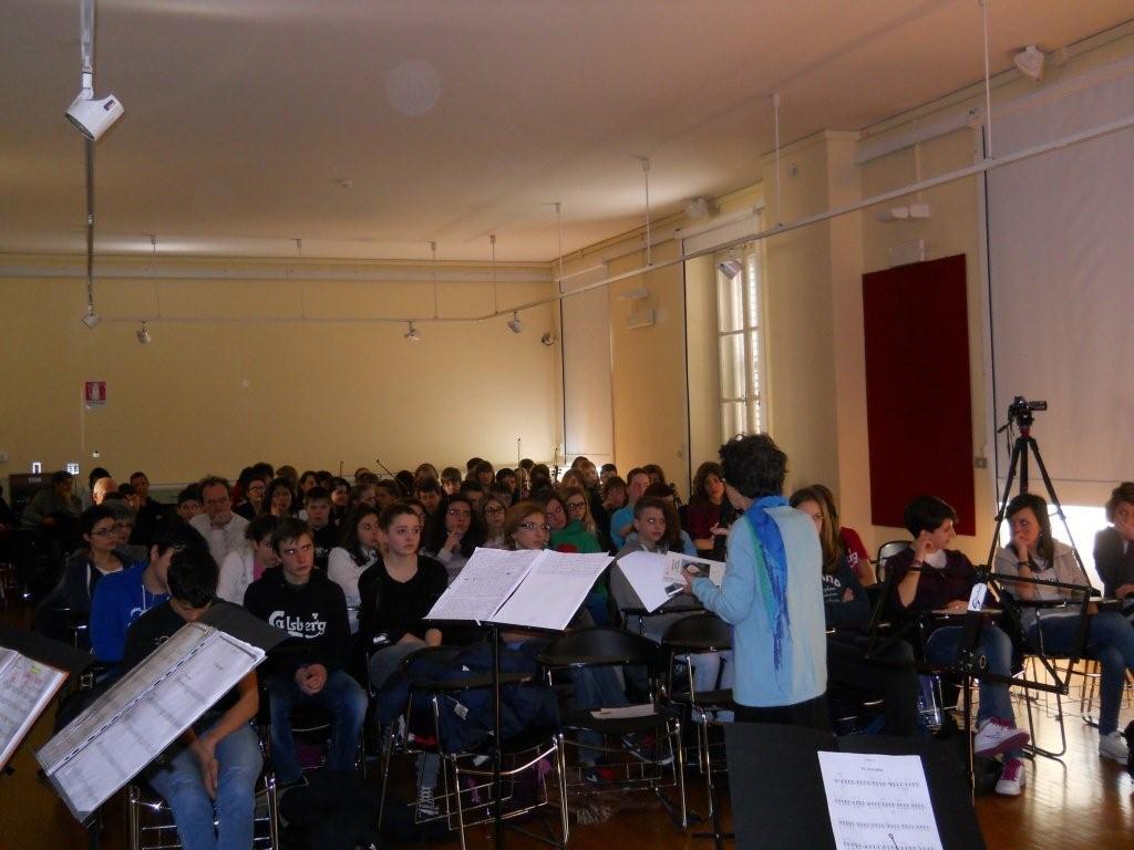 2013, 21 marzo, sala della biblioteca statale Stelio Crise: Poeti a scuola
