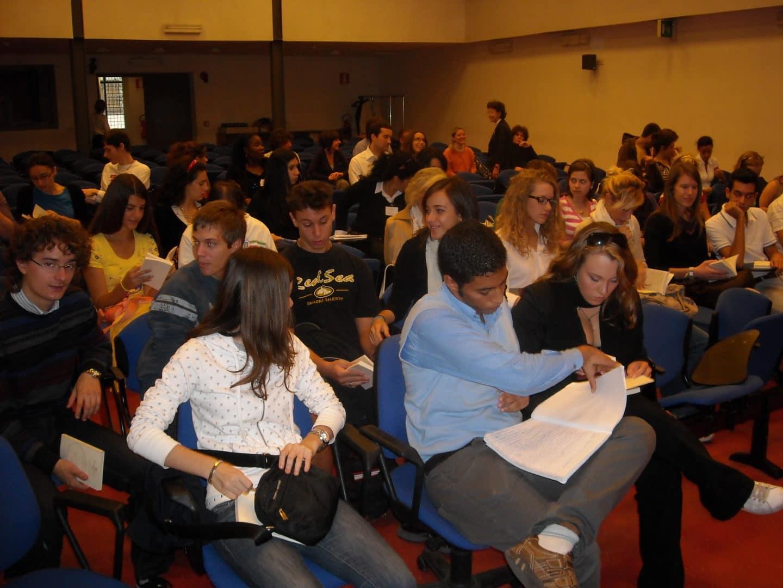 """Forum Mondiale dei Giovani """"Diritto di Dialogo"""": 4-6 ottobre 2013. Programma"""