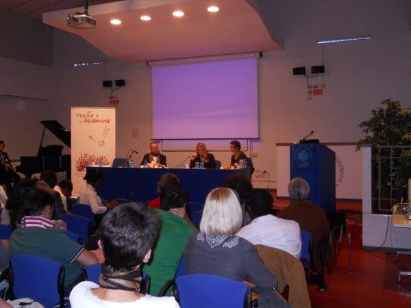 """2013, 4 ottobre: Forum Mondiale dei Giovani Diritto di Dialogo. """"Spazio/ Futuro: un libro e una mostra fotografica"""" con Alberto Garlini"""