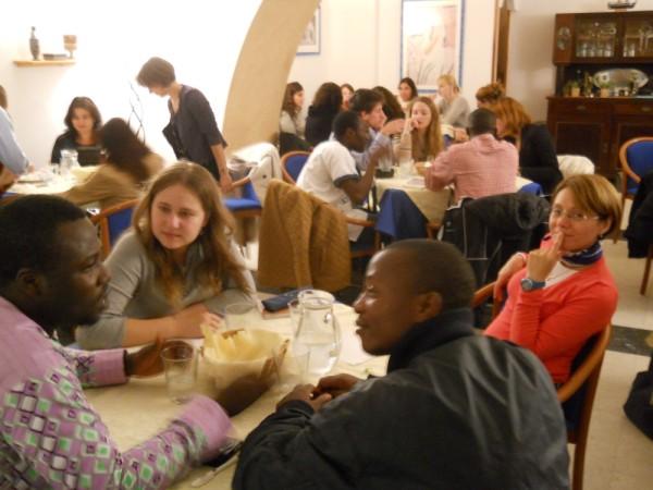 2013, 6 ottobre: Forum Mondiale dei Giovani Diritto di Dialogo, Party di saluto